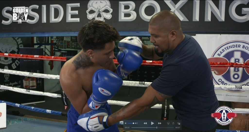 Phone Booth Boxing - Fernando & Amado Vargas